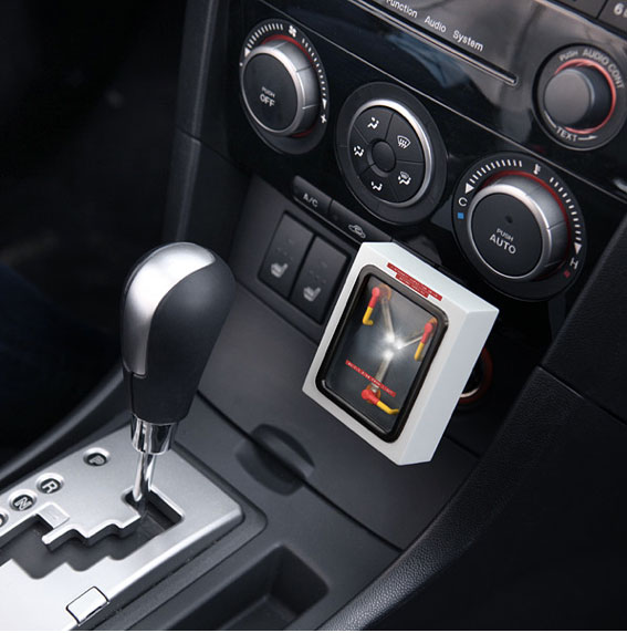 Flux-Capacitor USB Car Charger | Storypiece.net