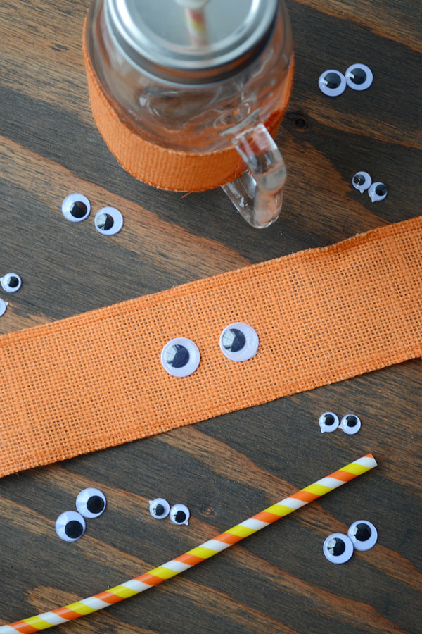 Halloween Mason Jar Craft Idea | Storypiece.net