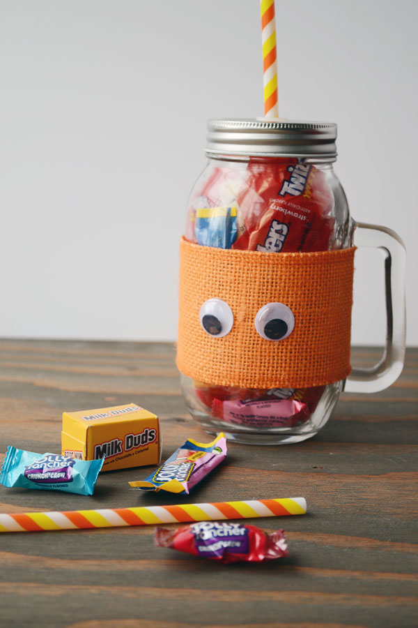 Halloween Mason Jar Treats | Storypiece.net
