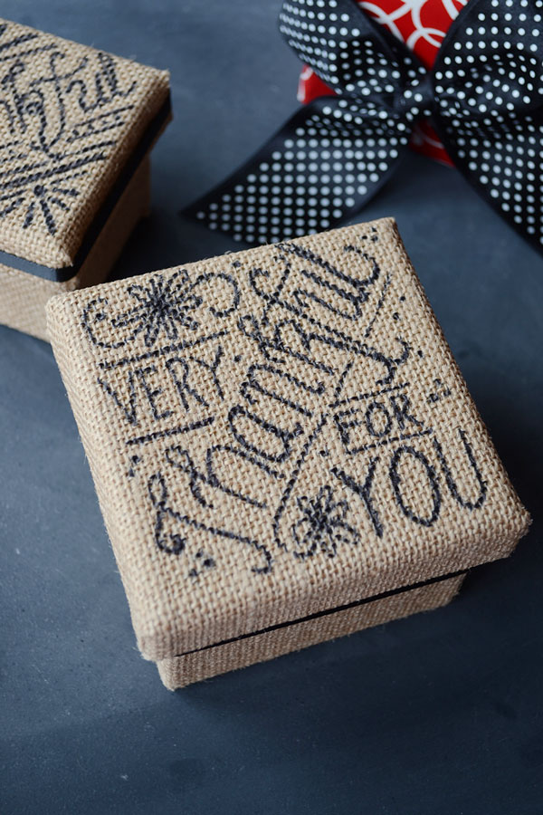 Thanksgiving Burlap Box | Storypiece.net
