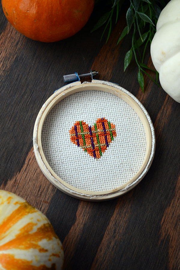Tips to a Perfect Back of Cross-stitch | Storypiece.net
