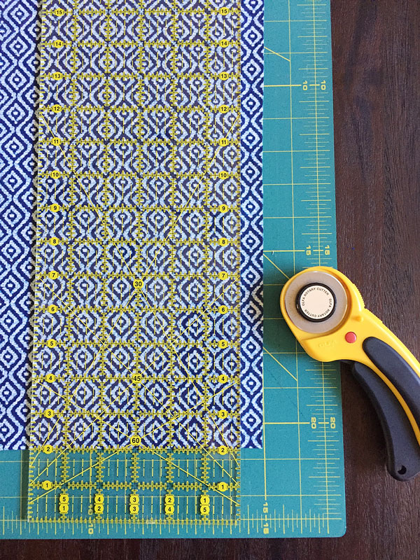 Cutting Straight Fabric Edges | Storypiece.net