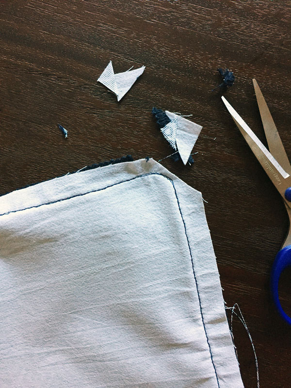 Tricks for Sewing a Pillow | Storypiece.net