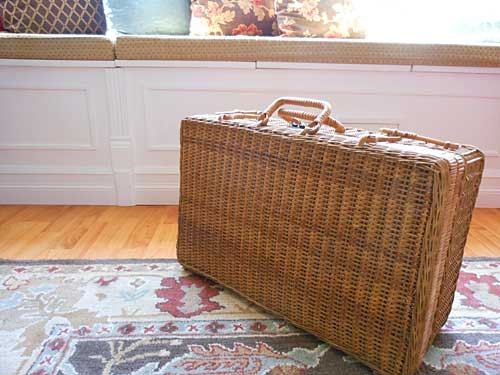 Antique Picnic Basket | Storypiece.net
