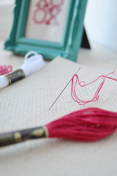 Cross Stitch Valentine's Day Arrow | Storypiece.net