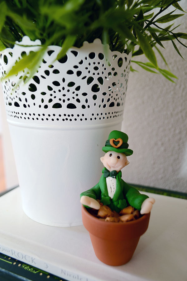 Tiny Clay Leprechaun | Storypiece.net