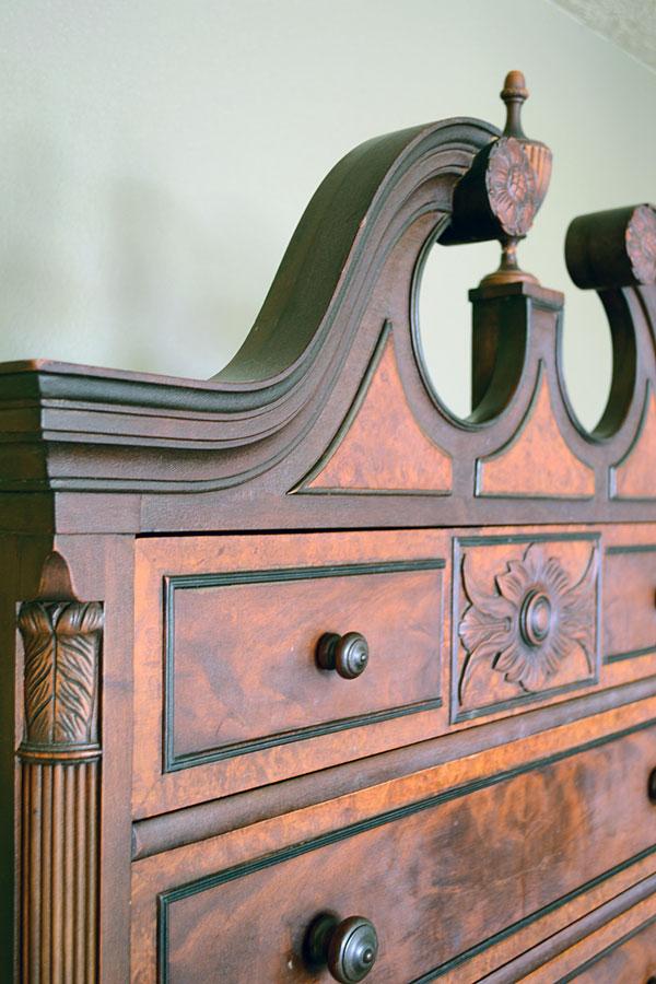 Vintage Dresser | Storypiece.net
