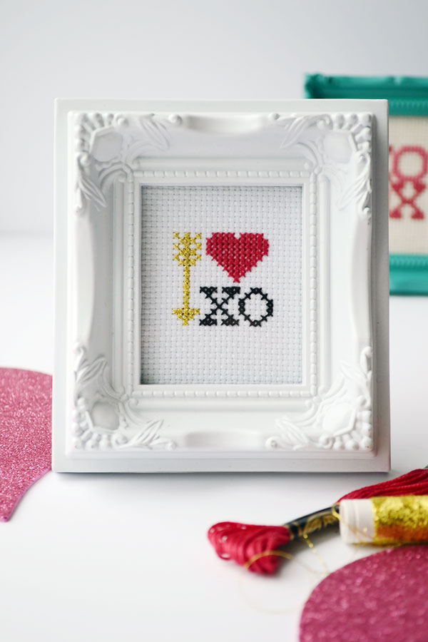 Free Cross Stitch Pattern for Valentines Day | Storypiece.net