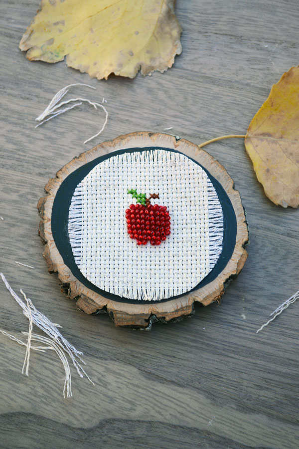 Apple Cross-stitch Pattern Free | Storypiece.net