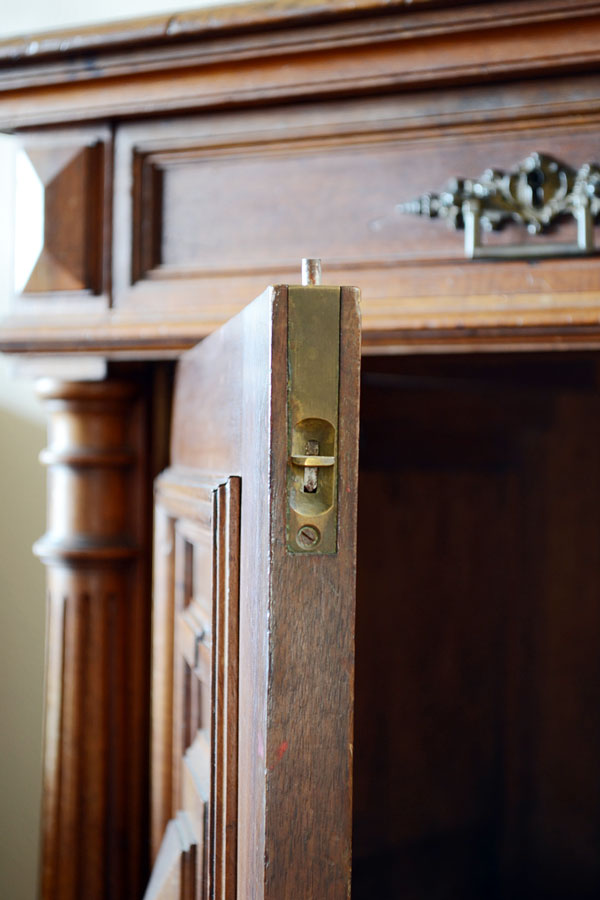 Antique Door Latch | Storypiece.net