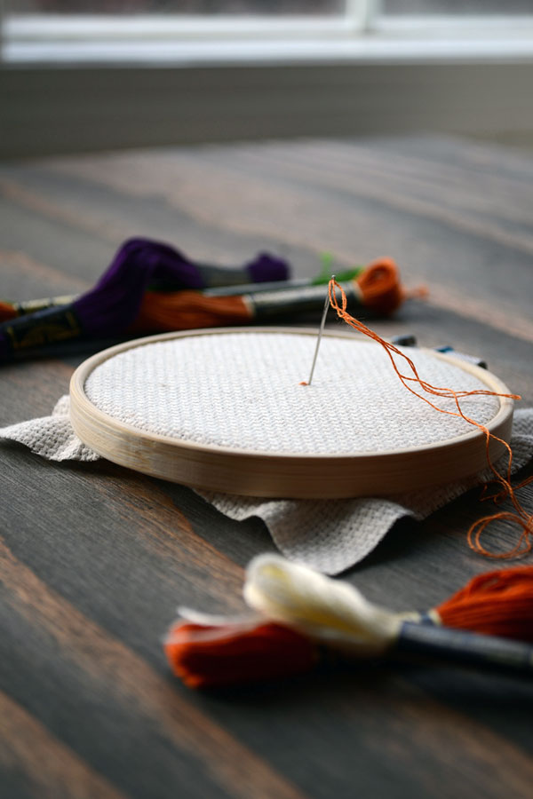 How to Center Your Cross-stitch Project | Storypiece.net