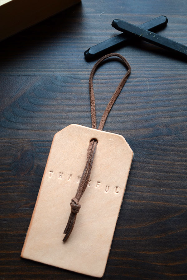 Leather Wine Tags for Thanksgiving | Storypiece.net