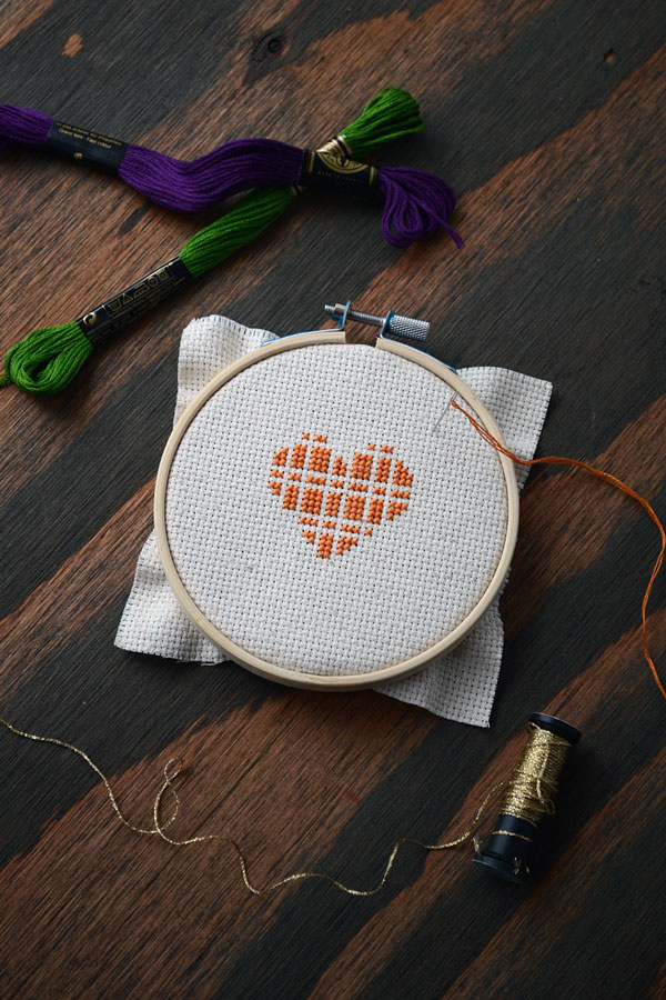 Thanksgiving Cross-stitch Heart | Storypiece.net