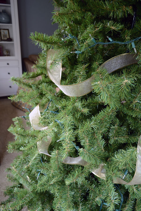 Tricks for Decorating Your Christmas Tree | Storypiece.net
