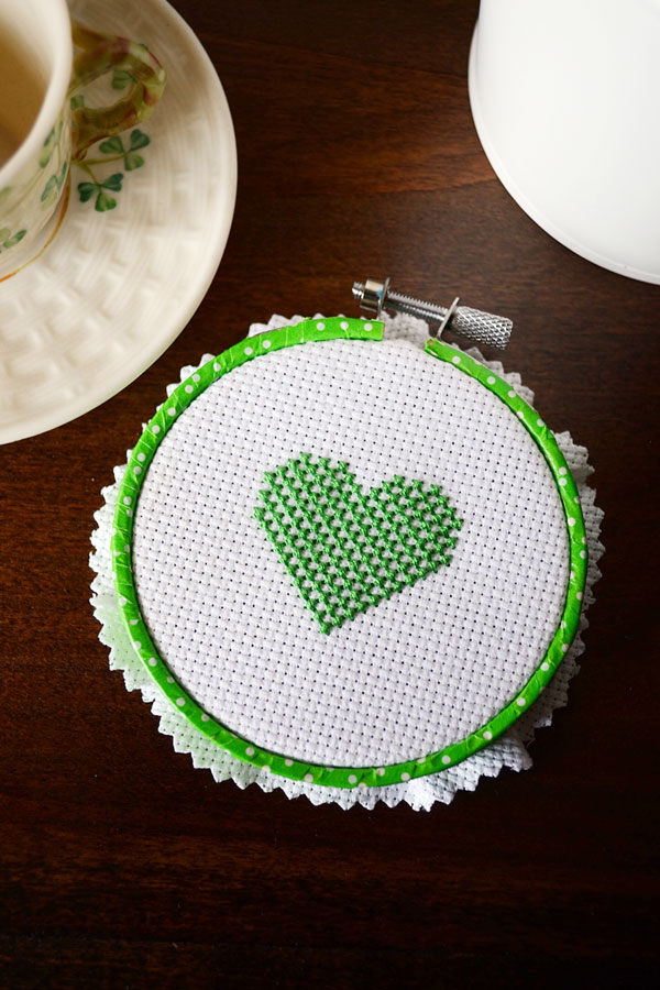 Checkered Cross-Stitch Heart Pattern | Storypiece.net