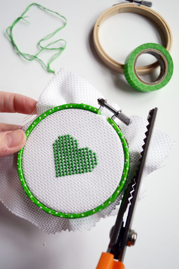 Embroidery hoop finishing ideas storypiece