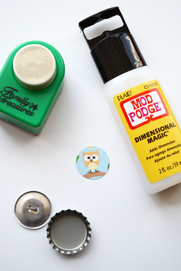 DIY Bottle Cap Buttons | Storypiece.net
