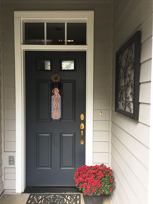 Halloween Front Door Decor | Storypiece.net