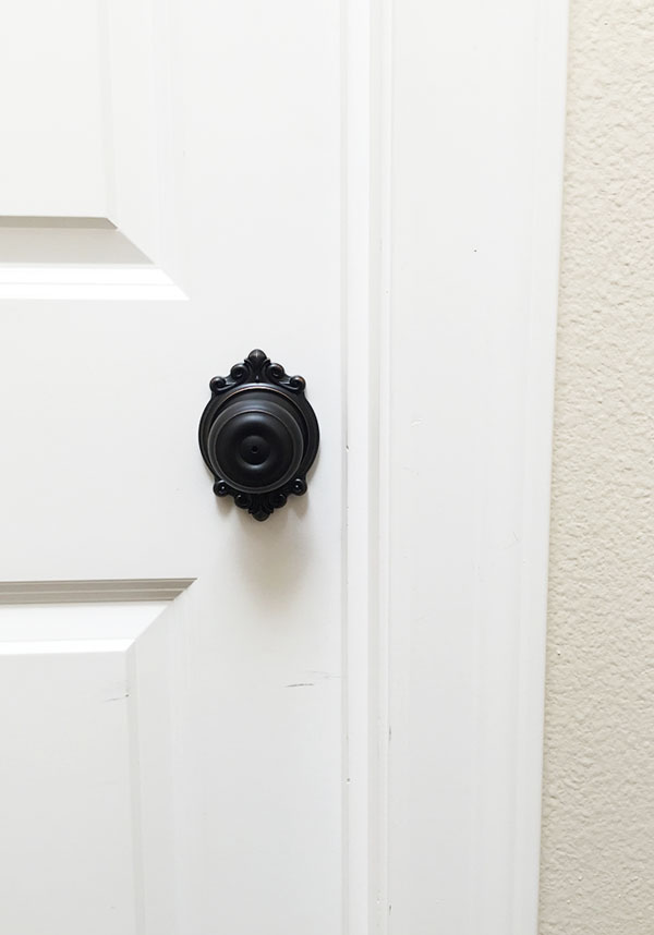 Oil-rubbed Bronze Georgian Doorknobs | Storypiece.net