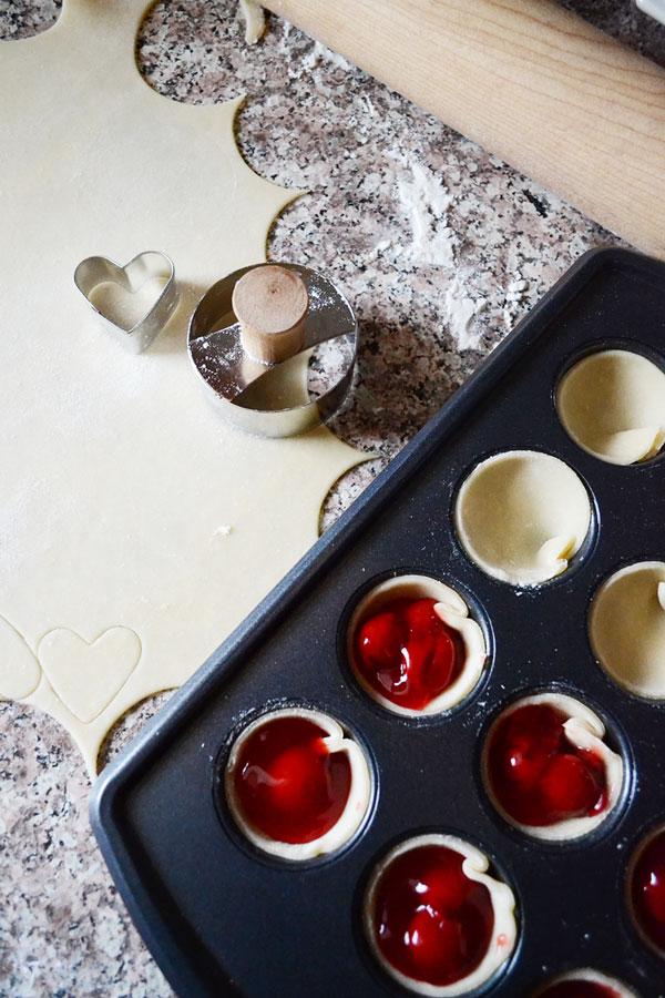Baking Mini Cherry Pies | Storypiece.net