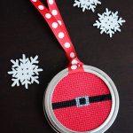 How to Make an Adorable Christmas Mason Jar Ornament